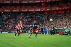 BILBAO SPANIEN - APRIL 20: Koke och Oscar de Marcos i matchen mellan idrotts- Bilbao och Athletico de Madrid som firas på April Arkivbild