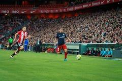 BILBAO SPANIEN - APRIL 20: Koke och Oscar de Marcos i matchen mellan idrotts- Bilbao och Athletico de Madrid som firas på April Royaltyfri Foto
