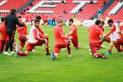 BILBAO SPANIEN - APRIL 20: UtbildningsfotbollsspelareAthletico de Madrid spelare för matchen mellan idrotts- Bilbao och Athletico Fotografering för Bildbyråer