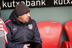 BILBAO, SPANIEN - 22. JANUAR: Mono-Trainer Burgos zweite von Pablo Simeone Atletico De Madrid, während eines spanischen Ligaspiel Lizenzfreies Stockfoto