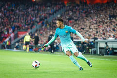 BILBAO SPANIEN - JANUARI 05: Neymar Barcelona spelare, i handling under matchen för åttondel-finaler spanjorkopp Fotografering för Bildbyråer