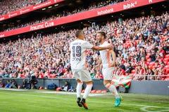 BILBAO SPANIEN - SEPTEMBER 18: Alvaro Medran och Rodrigo Moreno under en spansk ligamatch mellan idrotts- Bilbao och Valencia Arkivfoton