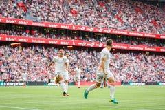 BILBAO SPANIEN - SEPTEMBER 18: Alvaro Medran Valencia CFspelare, firar hans mål i matchen mellan idrotts- Bilbao och dal Royaltyfri Fotografi
