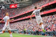 BILBAO SPANIEN - SEPTEMBER 18: Alvaro Medran Valencia CFspelare, firar hans mål i matchen mellan idrotts- Bilbao och dal Royaltyfria Bilder