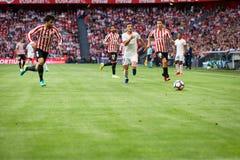 BILBAO SPANIEN - SEPTEMBER 18: Eneko Boveda och Jose Luis Gaya i matchen mellan idrotts- Bilbao och Valencia CF som firas på Royaltyfri Bild