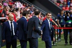 BILBAO SPANIEN - SEPTEMBER 18: Ernesto Valverde idrotts- Bilbao lagledare, under en spansk ligamatch mellan idrotts- Bilbao och V Royaltyfri Fotografi