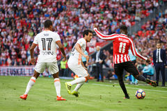 BILBAO SPANIEN - SEPTEMBER 18: Inaki Williams, Dani Parejo och Nani, under matchen mellan idrotts- Bilbao och Valencia CF, cele Royaltyfri Bild