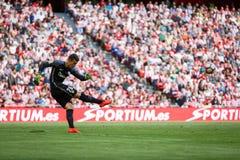 BILBAO SPANIEN - SEPTEMBER 18: Kepa Arrizabalaga Bilbao målvakt, i handling under en spansk ligamatch mellan idrotts- Bilba Royaltyfria Foton
