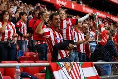 BILBAO SPANIEN - SEPTEMBER 18: Oidentifierade Bilbao fans, i handling under en spansk ligamatch mellan idrotts- Bilbao och Valenc Royaltyfria Foton