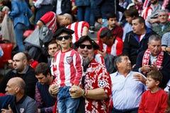 BILBAO SPANIEN - SEPTEMBER 18: Oidentifierade fans av idrotts- under en spansk ligamatch mellan idrotts- Bilbao och Valencia CF, Royaltyfri Foto