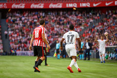 BILBAO SPANIEN - SEPTEMBER 18: Oscar de Marcos och Nani i handling under en spansk ligamatch mellan idrotts- Bilbao och Valenci Arkivbilder