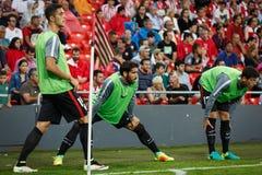 BILBAO, SPANJE - AUGUSTUS 28: Raul Garcia, Mikel Vesga en Xabier Etxeita, de Atletische spelers van Clubbilbao, in het verwarmen  royalty-vrije stock fotografie