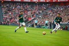 BILBAO, SPANJE - OKTOBER 30: Alex Berenguer en Miguel de las Cuevas, de spelers van CA Osauna, in de gelijke tussen Atletisch Bil stock fotografie