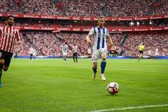 BILBAO, SPANJE - OKTOBER 16: David Zurutuza en Raul Garcia in de Spaanse Liga passen tussen Atletisch Bilbao en Echte Sociedad aa Royalty-vrije Stock Afbeeldingen
