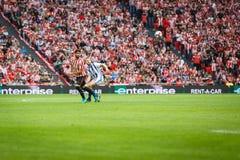 BILBAO, SPANJE - OKTOBER 16: Raul Garcia en Asier Illarramendi tijdens een Spaanse Liga passen tussen Atletisch Bilbao en Echte S Stock Fotografie