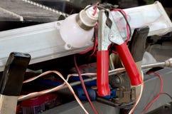 Bilbatteriuppladdare Arkivbild