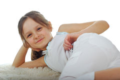 Bild auf lagerdes glücklichen Mädchens, lokalisiert auf Weiß lizenzfreie stockfotografie