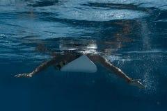 Bild av att surfa en våg Under vattenbild Fotografering för Bildbyråer