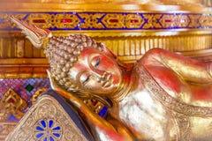 Bild av att vila buddha med abstrakt bakgrund Royaltyfri Bild
