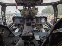 Bild av cockpiten av en fiskgjuse CV-22 av USA-flygvapnet Nivån ställdes ut under en belgisk airshow royaltyfria bilder