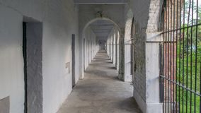Bild av den cell- arrestkorridoren, skott från mellersta torn av den cell- arresten, Port Blair royaltyfri foto