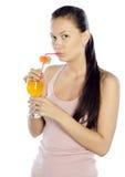 Bild av den nätt kvinnan med coctailen Arkivfoto