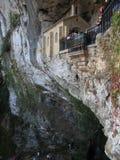 Bild av det Covadonga kapellet, Santa Cueva fristad, Asturias, Spai Arkivfoton
