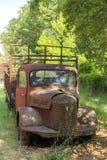 Bild av en gammal rostig lastbil Royaltyfri Fotografi