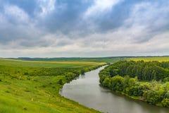 Bild av floden med den höga kusten Fotografering för Bildbyråer