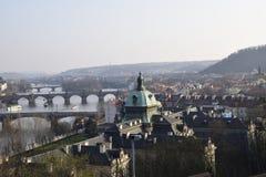 Bild av gammal stadPrague ful av broar royaltyfria bilder
