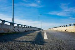 Bild av huvudvägen Arkivfoto