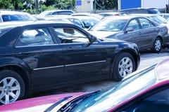 Bild av parkerade bilar royaltyfria foton
