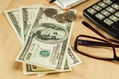 Bild av pengar och en räknemaskin Royaltyfria Bilder