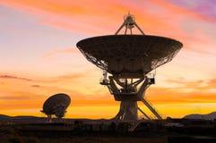 Bild av radioteleskop Royaltyfri Fotografi