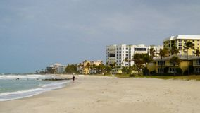 Bild av stranden på semesterortstället arkivfoton