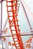 Bild der Achterbahn im Vergnügungspark Stockbild