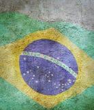 Bild der Flagge von Brasilien-gainst der alte Wandhintergrund Lizenzfreie Stockfotos