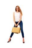 Bild der reizenden Frau mit biologisch abbaubarer Einkaufstasche Stockbilder