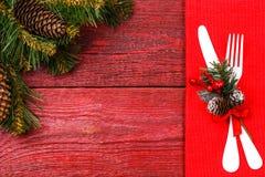 Bild der Weihnachtstabelle mit Gabel und Messer Stockfoto