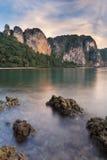 Berggipfel an Railay Strand, Thailand Lizenzfreies Stockfoto