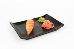 Bild des geschmackvollen nigiri mit Lachsen Lizenzfreie Stockfotografie