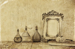 Bild des klassischen Rahmens der Victorianweinlese-Antike Stockfoto