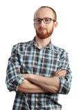 Bild des Mannes mit der roten Bartaufstellung lokalisiert auf Weiß Stockfotografie
