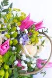 Bild des schönen bunten Blumenstraußes der frischen Blumen Stockbilder
