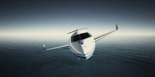 Bild des weißen generischen LuxusDesigns private Jet Flying im Himmel nachts Blauer Ozeanhintergrund Dienstreisebild Stockfotos