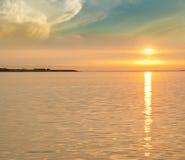 Bild för havsolnedgångbakgrund Arkivfoto