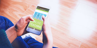 Bild för komposit 3d av den digitala bilden av online-utbildningsmanöverenheten på skärmen Fotografering för Bildbyråer