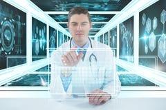Bild för komposit 3d av doktorn som använder den digitala minnestavlan mot vit bakgrund Arkivbild