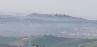 Bild i dimman & x28en; från stället Mutignano& x29; royaltyfri bild