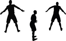 bild - konturn för basketspelaren i försvar poserar, isolerat på vit bakgrund Arkivbild